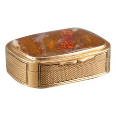 English Gold and Agate Pills Box Early 19th Century