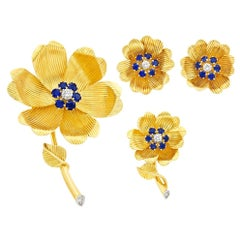 English Gold Diamond Sapphire Flower Brooch
