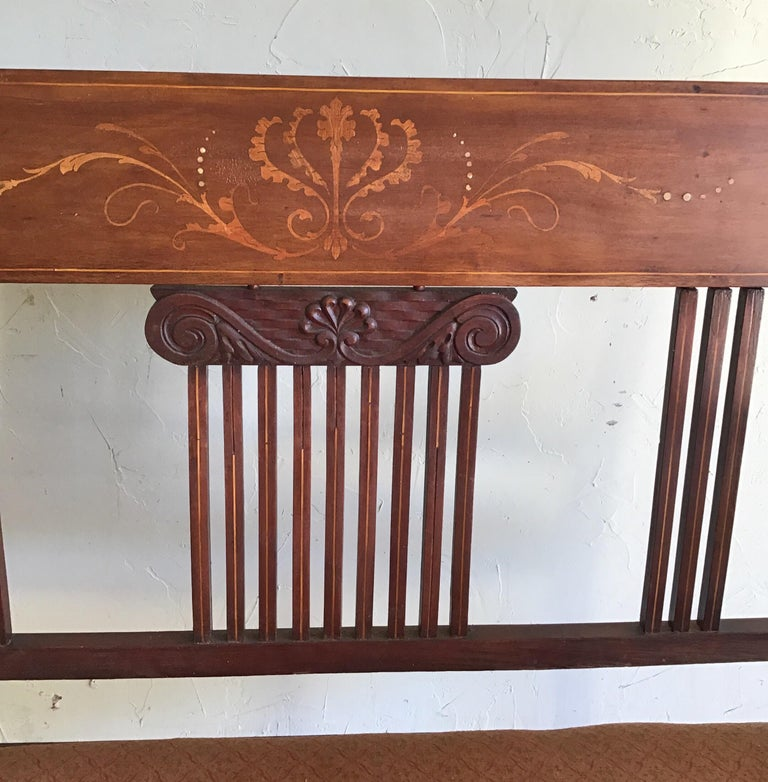 English Hall Bench, circa 1920s In Good Condition For Sale In Douglas Manor, NY