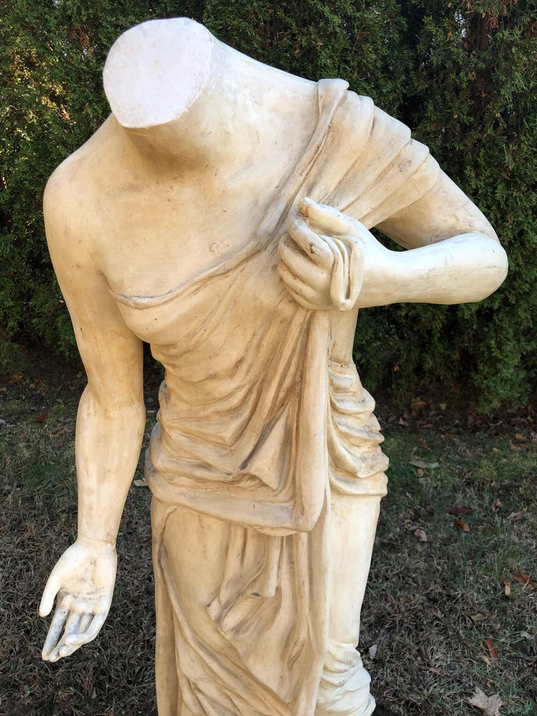 English Headless Life-Sized Classical Figure of Venus For Sale 6