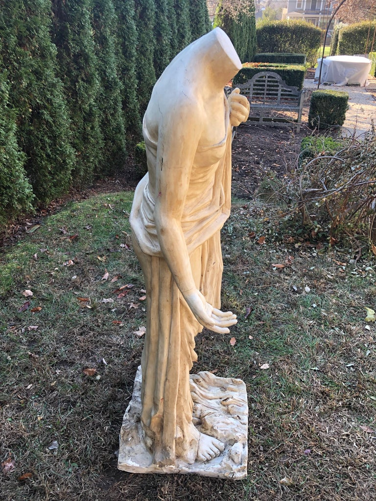 English Headless Life-Sized Classical Figure of Venus In Good Condition For Sale In Woodbury, CT