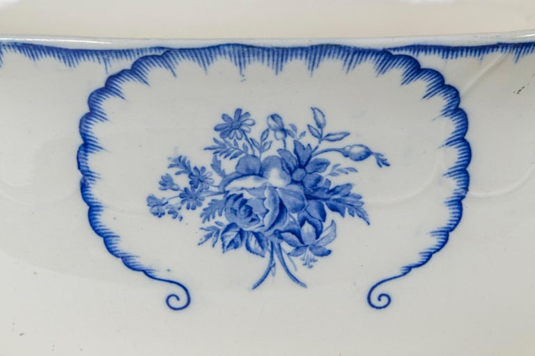 English Ironstone Foot Bath, Late 19th Century In Good Condition In Chappaqua, NY