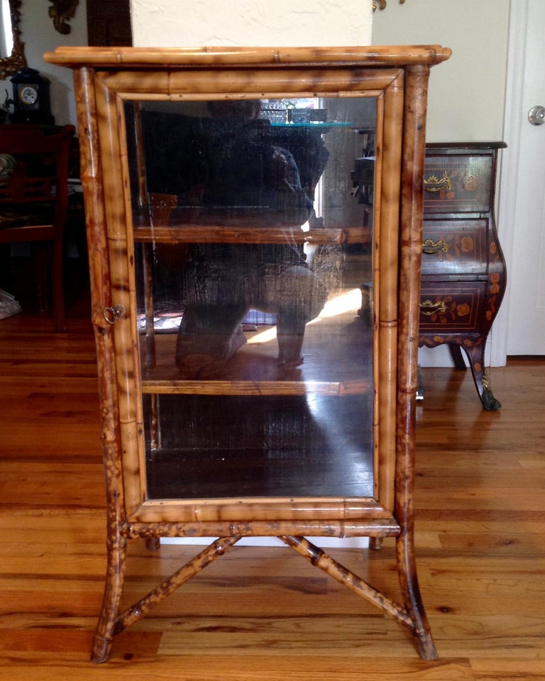 English Lacquered Bamboo Bookcase In Good Condition For Sale In West Palm Beach, FL