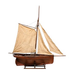 English Late 19th Century Pond Yacht on Stand with Solid Hull and Three Sails