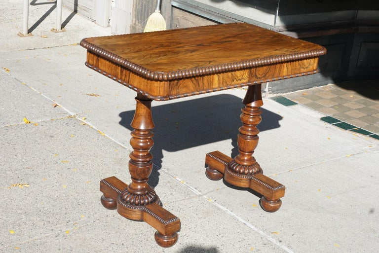 English Late Regency Period Small Rosewood Writing Table Attributed to Gillows In Good Condition In Hudson, NY