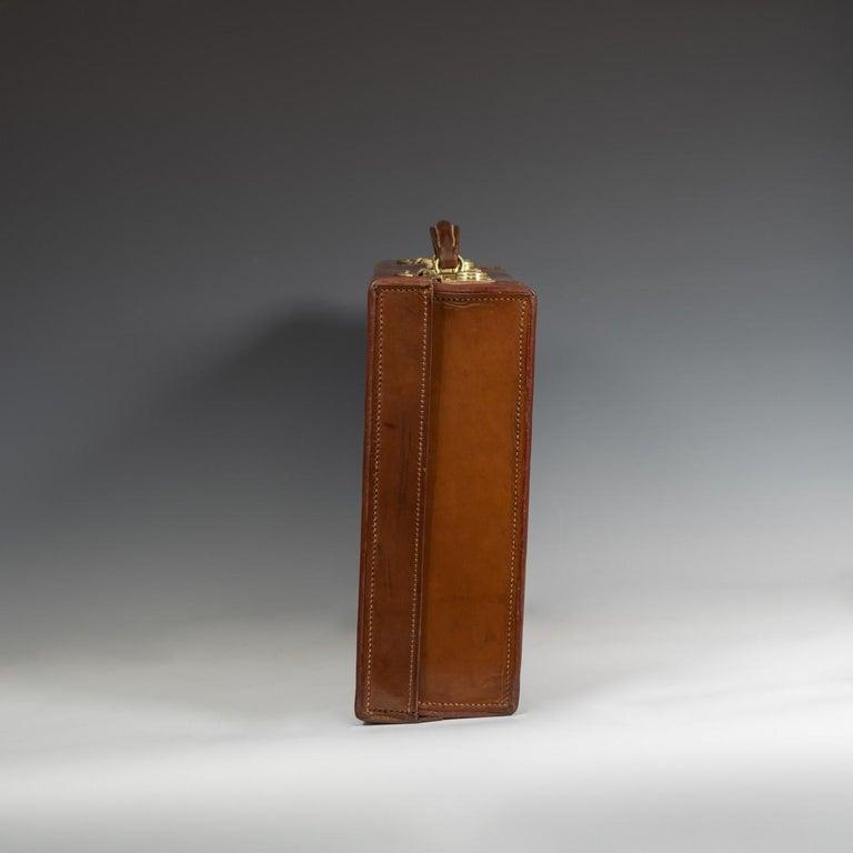 English Leather Attaché Case, circa 1940 In Good Condition For Sale In London, GB