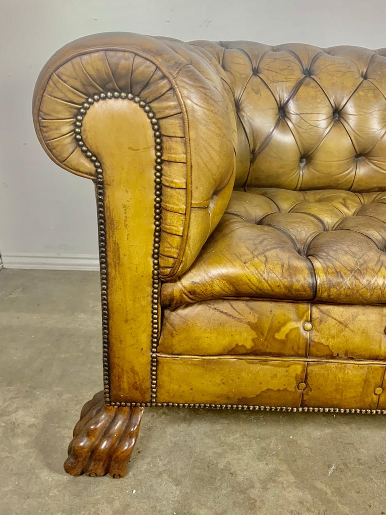 English Leather Tufted Chesterfield Sofa, circa 1900s In Distressed Condition For Sale In Los Angeles, CA