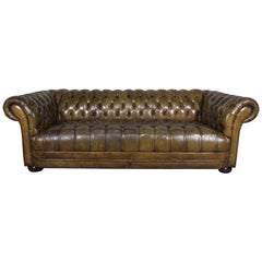 English Leather Tufted Chesterfield Sofa, circa 1930s