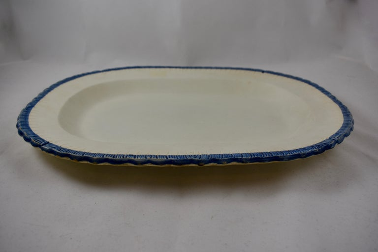 19th Century English Leeds Cobalt Blue Feather or Shell Edge Pearlware Oval Platter For Sale
