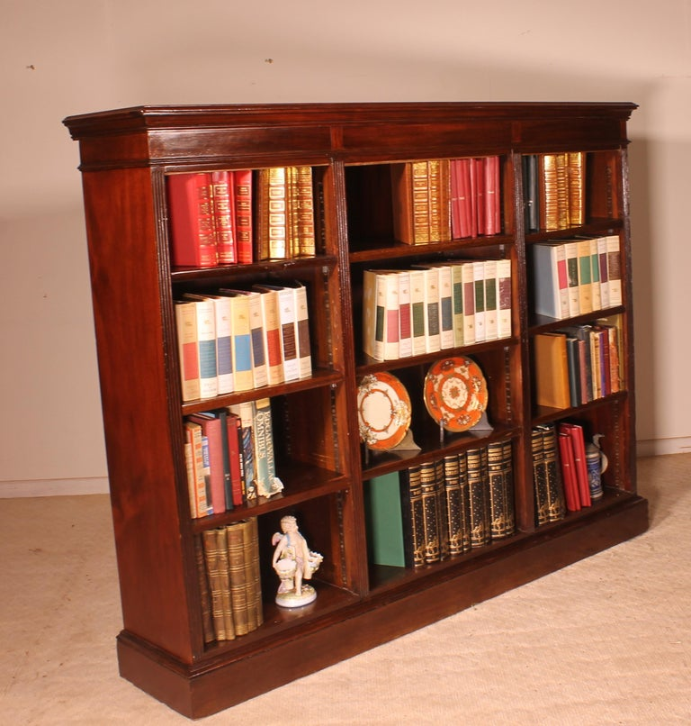 English Low Open Bookcase in Mahogany In Good Condition For Sale In Brussels, Brussels