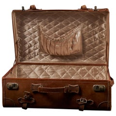 English Made Gentleman's Fine Leather Suitcase
