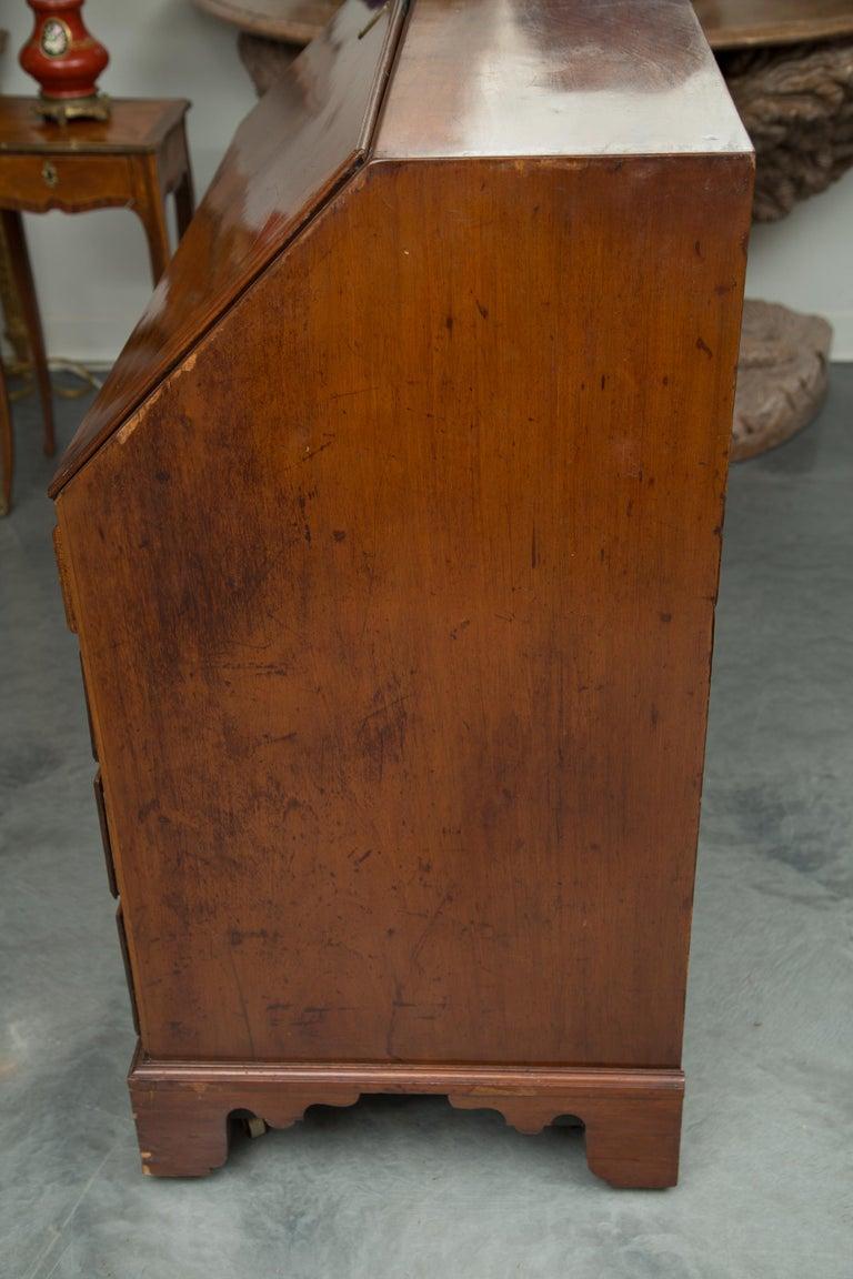 English Mahogany 18th Century Slant Top Desk For Sale 1