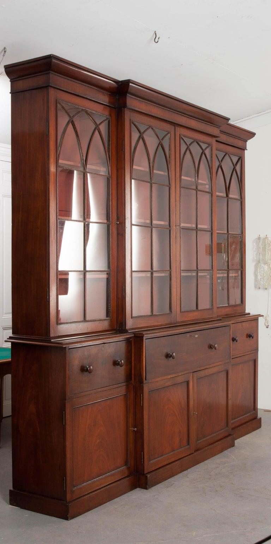 English Mahogany 19th Century Georgian Breakfront Bookcase Desk In Good Condition For Sale In Baton Rouge, LA