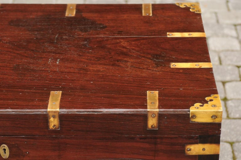 English Mahogany Brass-Bound Campaign Trunk with Lateral Handles, circa 1870 For Sale 10