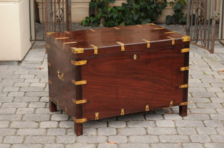 English Mahogany Brass-Bound Campaign Trunk with Lateral Handles, circa 1870 For Sale 12