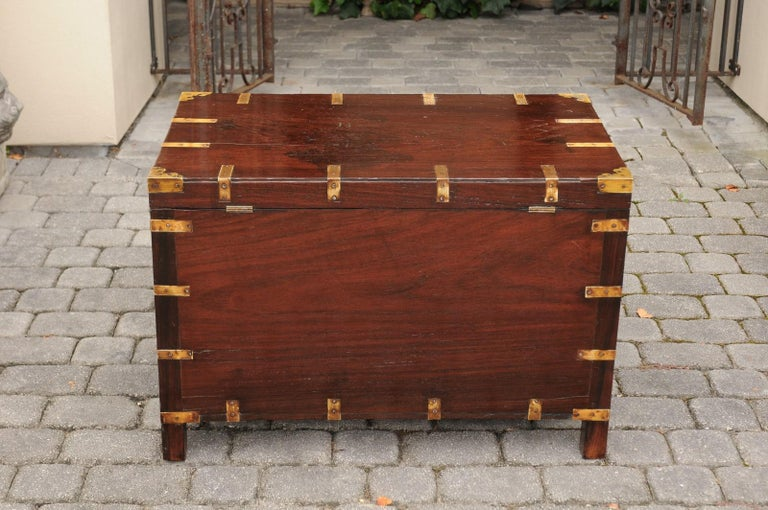 English Mahogany Brass-Bound Campaign Trunk with Lateral Handles, circa 1870 For Sale 3