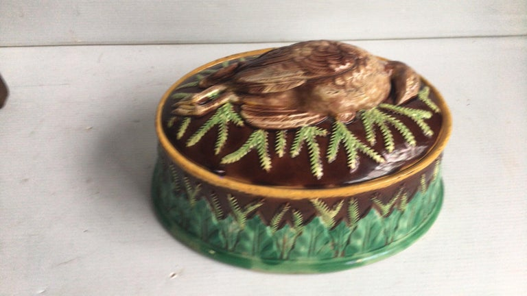 English Majolica game pie dish George Jones. Measures: Length / 10 inches on 7.5 inches, height / 6.5 inches.