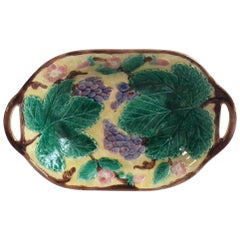 English Majolica Grapes Handled Platter Wedgwood, circa 1900