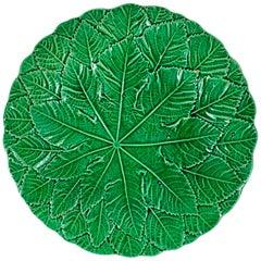 English Majolica Green Glazed Botanical Overlapping Leaf Plate, circa 1880