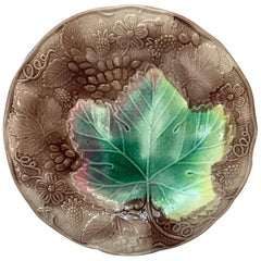 English Majolica Strawberries Plate, circa 1880