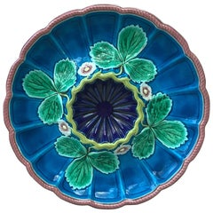 English Majolica Strawberry Plate Worcester, circa 1875