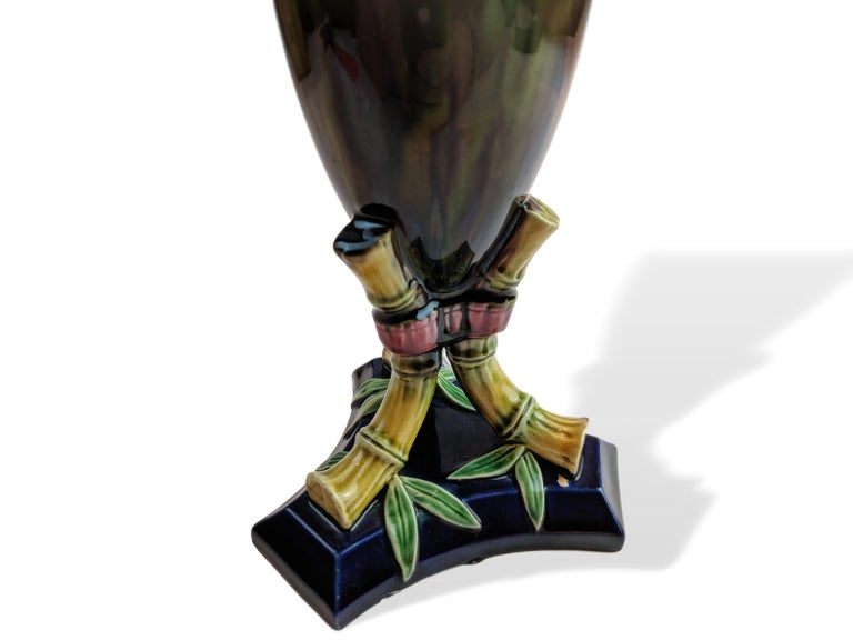 English Majolica Vase Signed TC Brown Westhead Moore, circa 1875 In Good Condition For Sale In Banner Elk, NC