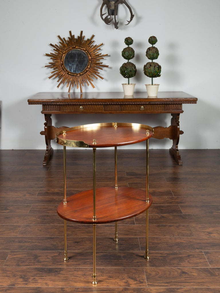 English Midcentury Mahogany Oval Two-Tiered Table with Brass Accents In Good Condition For Sale In Atlanta, GA