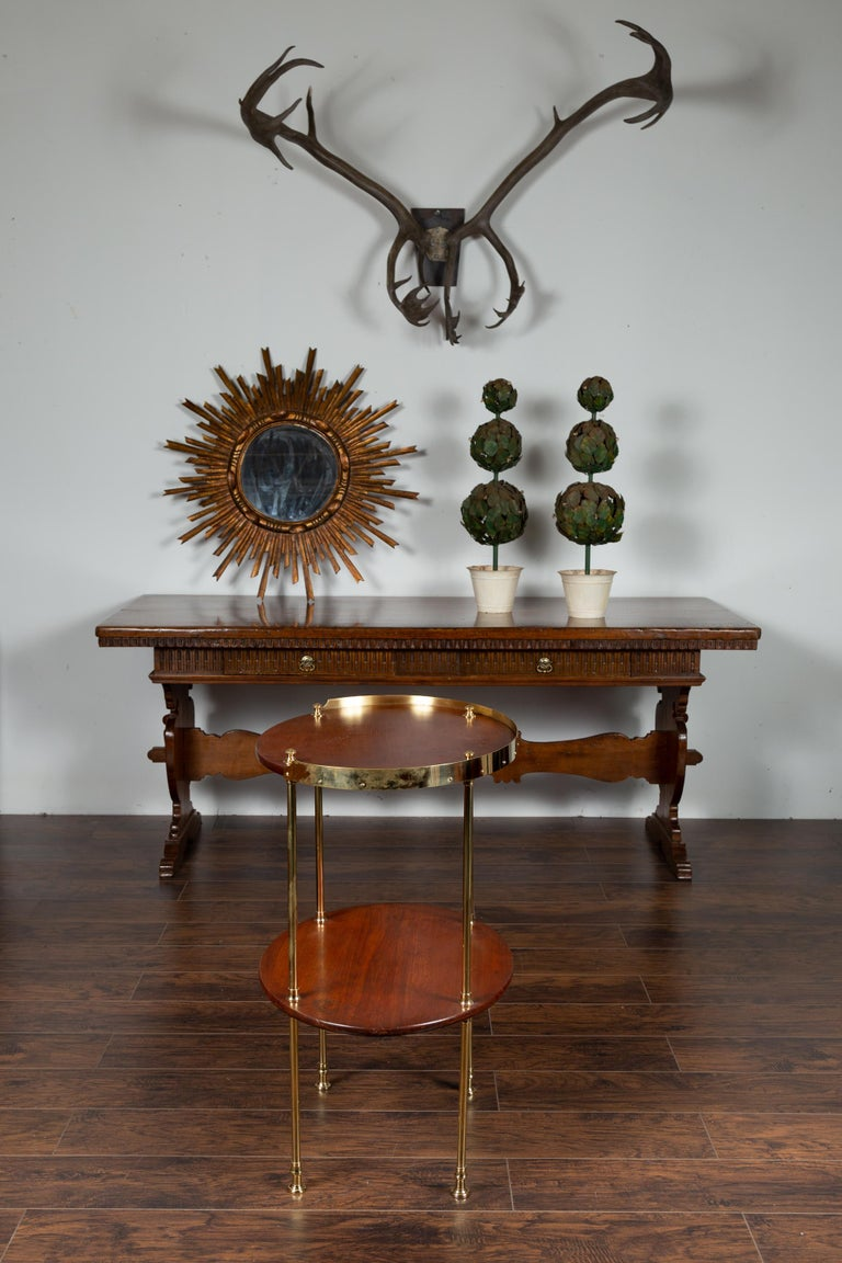 English Midcentury Mahogany Oval Two-Tiered Table with Brass Accents For Sale 2