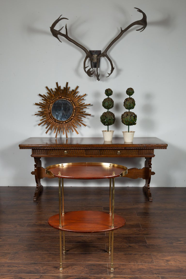English Midcentury Mahogany Oval Two-Tiered Table with Brass Accents For Sale 3