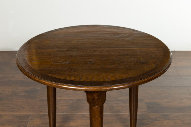 English Midcentury Oak Side Table with Round Top, Cylindrical Legs and Pad Feet 1