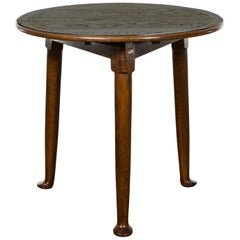 English Midcentury Oak Side Table with Round Top, Cylindrical Legs and Pad Feet