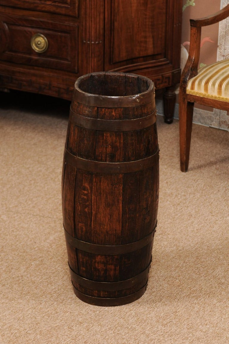 English Oak and Brass Barrell, Late 19th Century For Sale 2