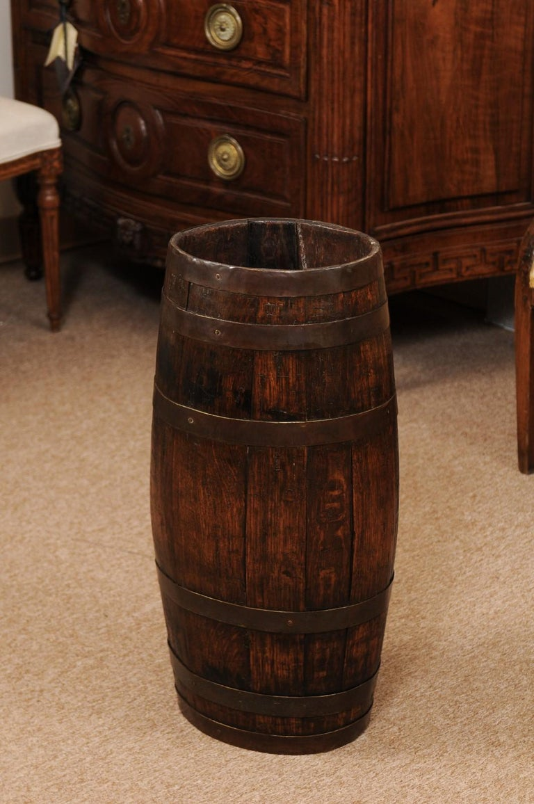 English Oak and Brass Barrell, Late 19th Century For Sale 4