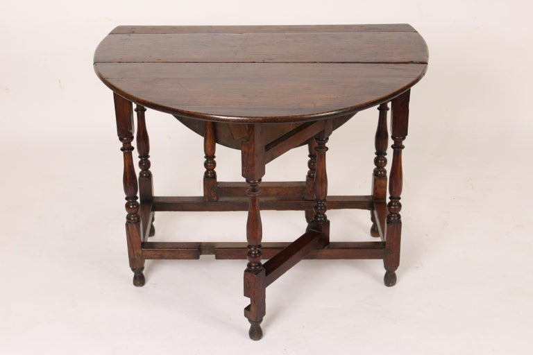 19th Century English Oak Gate Leg Table For Sale
