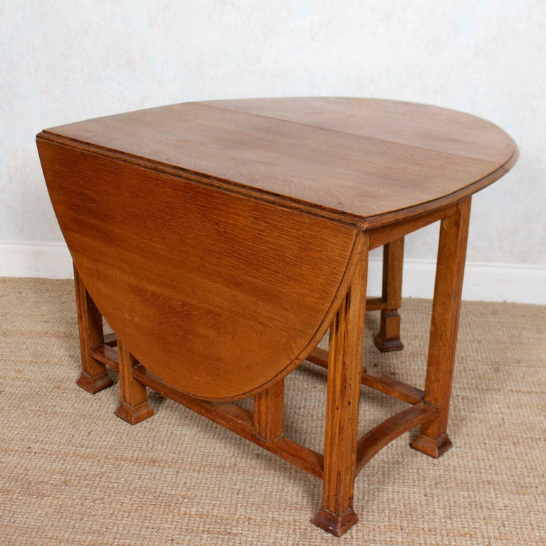 English Oak Gateleg Dining Table Carved Solid Folding Kitchen Table In Good Condition For Sale In Newcastle upon Tyne, GB