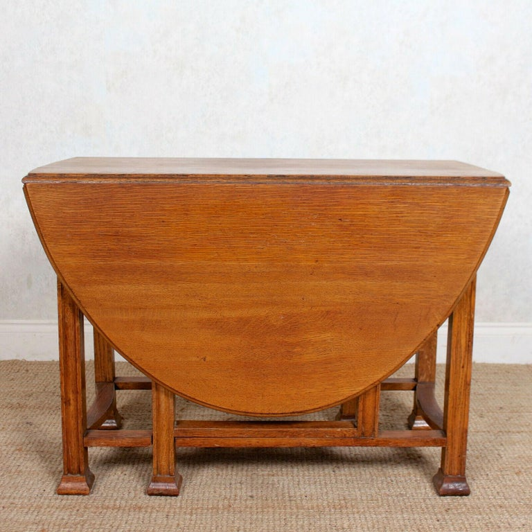 20th Century English Oak Gateleg Dining Table Carved Solid Folding Kitchen Table For Sale