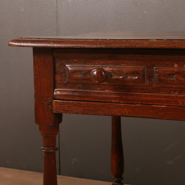 Small 18th century English oak 1 drawer side table. Good color. 1780.  Dimensions: 31 inches (79 cms) wide 19.5 inches (50 cms) deep 25.5 inches (65 cms) high.