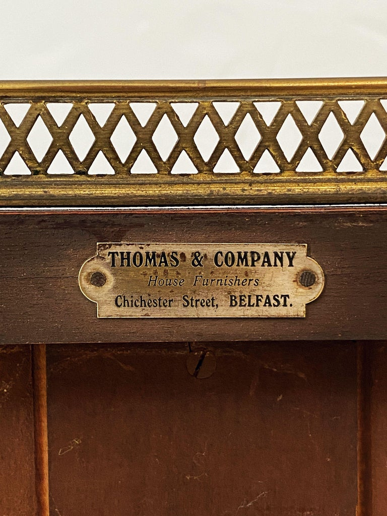 English Open Bookcase of Inlaid Mahogany from the Edwardian Period For Sale 12