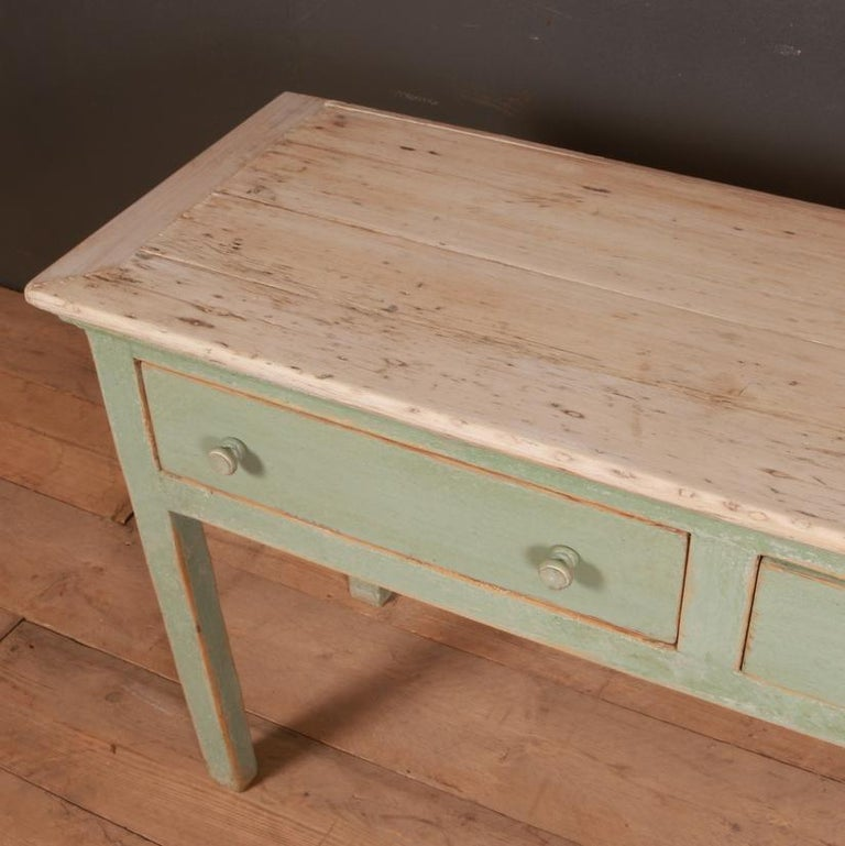 English Painted Dresser Base In Good Condition For Sale In Leamington Spa, Warwickshire