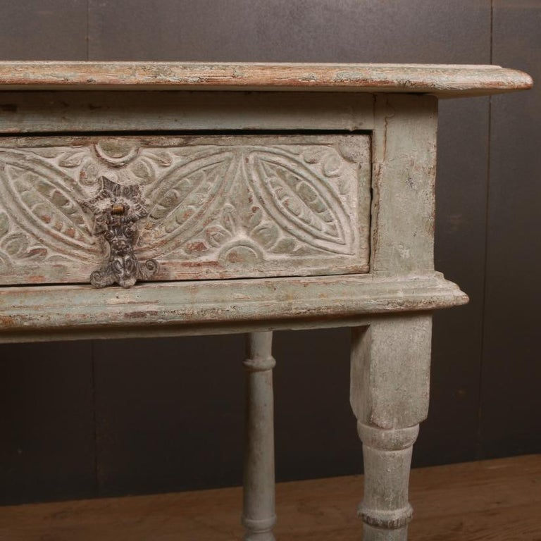English Painted Lamp Table In Good Condition For Sale In Leamington Spa, Warwickshire