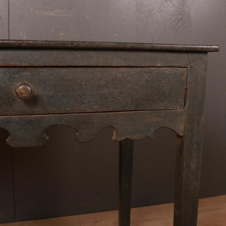 English Painted Side Table In Good Condition For Sale In Leamington Spa, Warwickshire