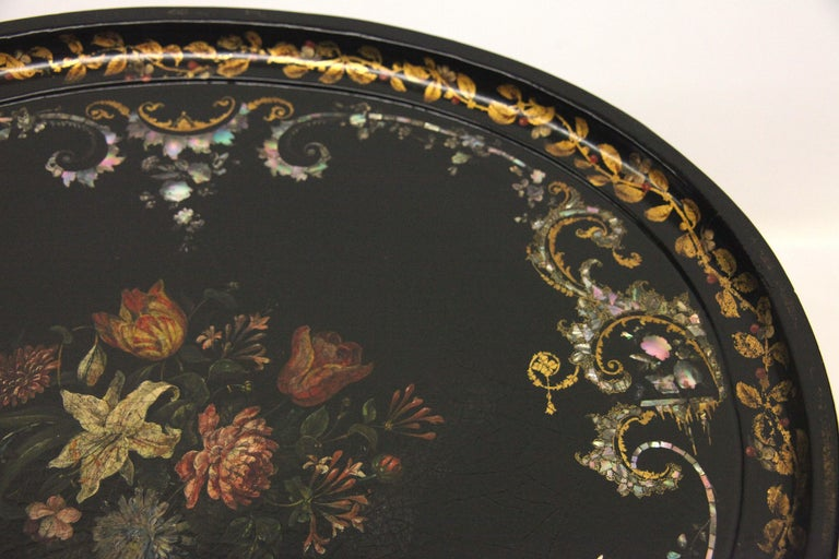English Papier Mâché Black Lacquer Tray on Stand In Good Condition For Sale In Wilson, NC