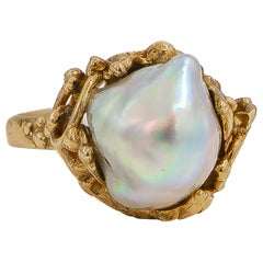 English Pearl Ring 9 Karat Yellow Gold