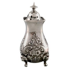 English Pepper Shaker in Silver, Late 19th Century from Large Private Collection
