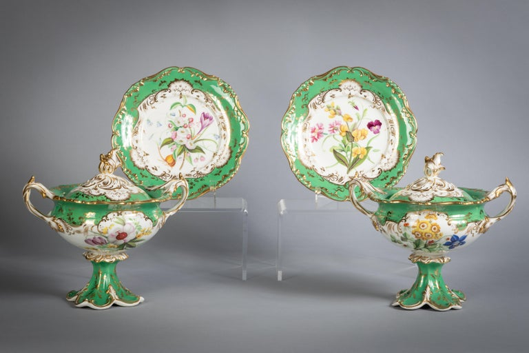 English Porcelain Botanical Dinner Service, Coalport, circa 1840 For Sale 12