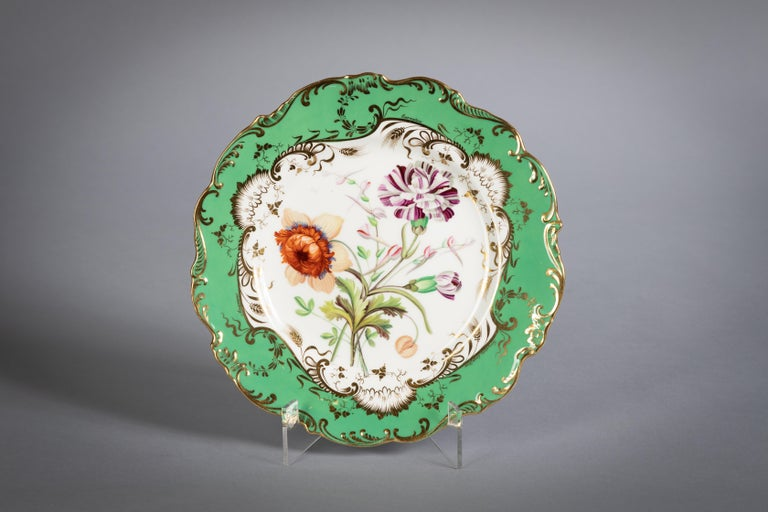 English Porcelain Botanical Dinner Service, Coalport, circa 1840 For Sale 2