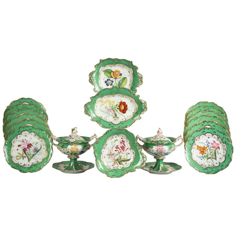 English Porcelain Botanical Dinner Service, Coalport, circa 1840 For Sale