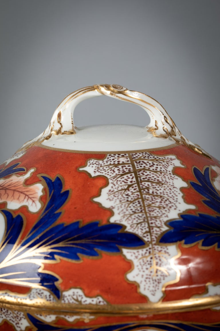 English Porcelain Imari Pattern Lazy Susan, Derby, circa 1820 In Good Condition For Sale In New York, NY