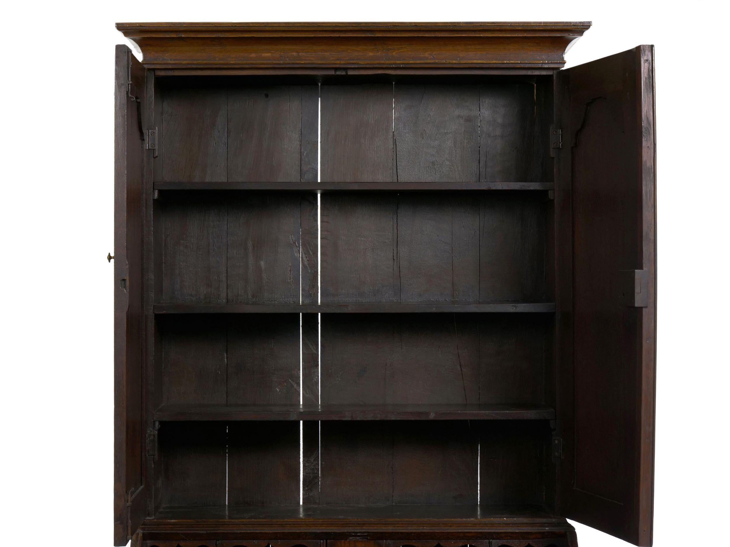 Queen Anne Desks 27 For Sale At 1stdibs >> English Queen Anne Style Oak Antique Secretary Desk With Bookcase 18th Century