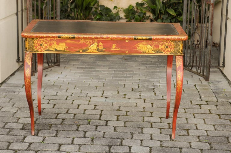Gilt English Regency 1820s Table with Red Lacquered, Gold and Black Chinoiserie Decor For Sale